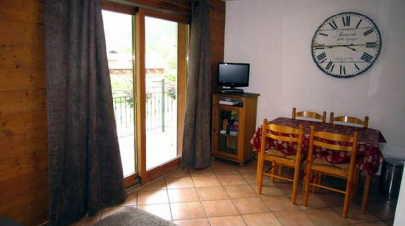 Ginabelle2B, chamonix accommodation, summer & winter season rental