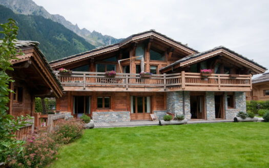 Chalet Saint Loup, chamonix accommodation, summer & winter season rentalChamonix season rental chalet