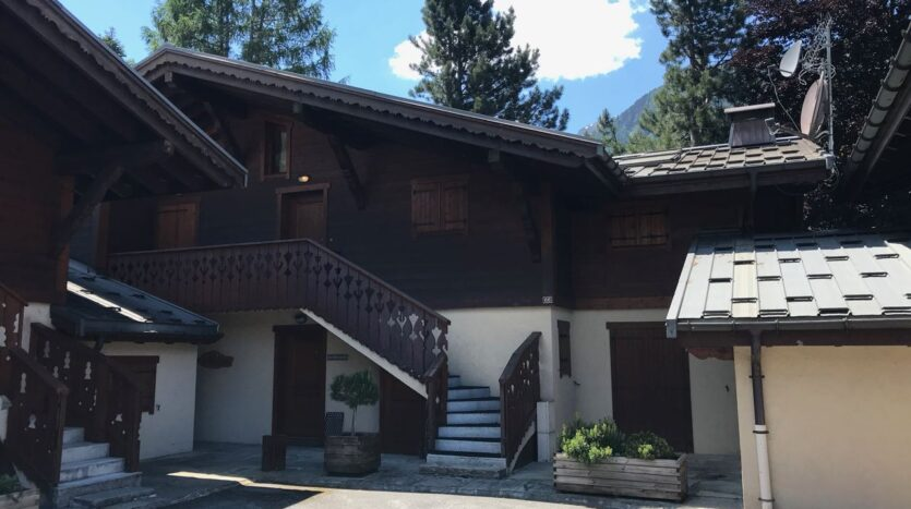Chamonix annual or season rental in Les P
